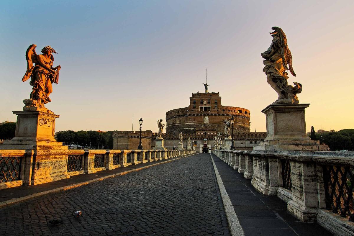 Castel Sant'Angelo all'alba