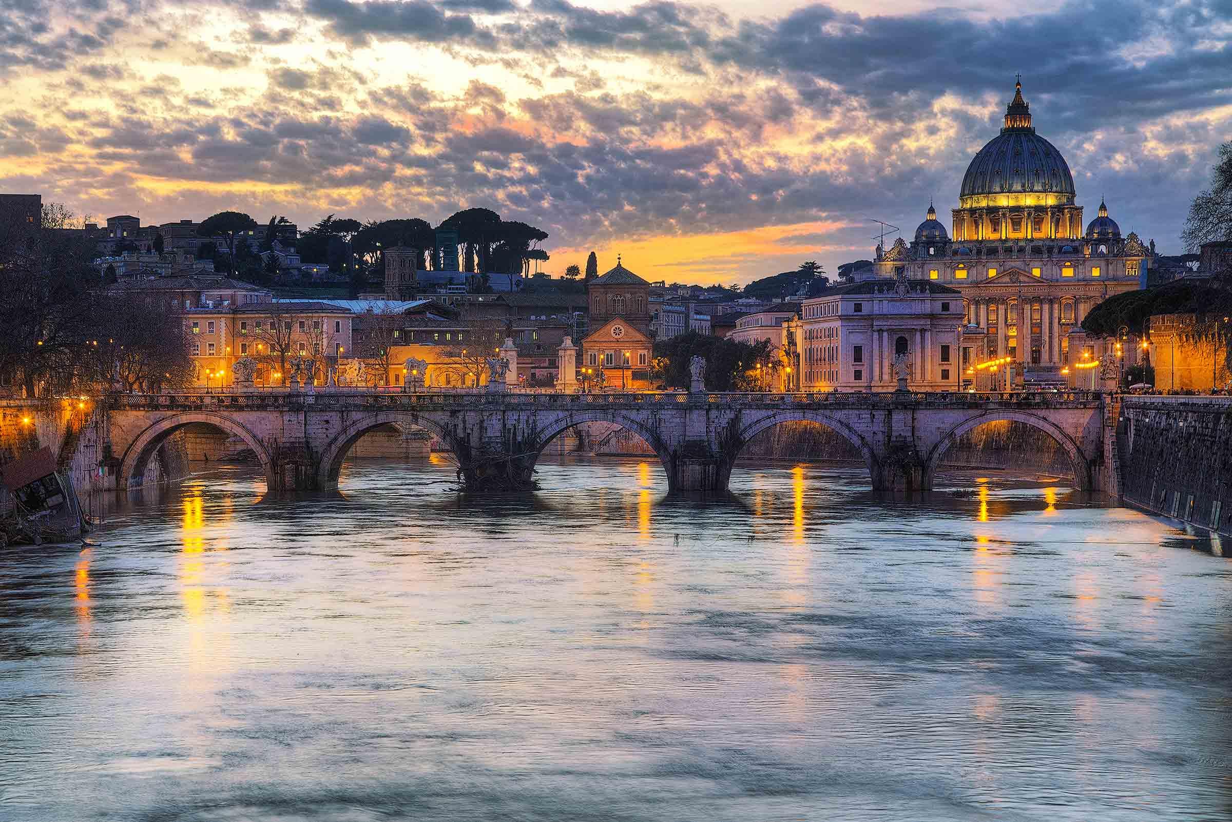 San Pietro al tramonto
