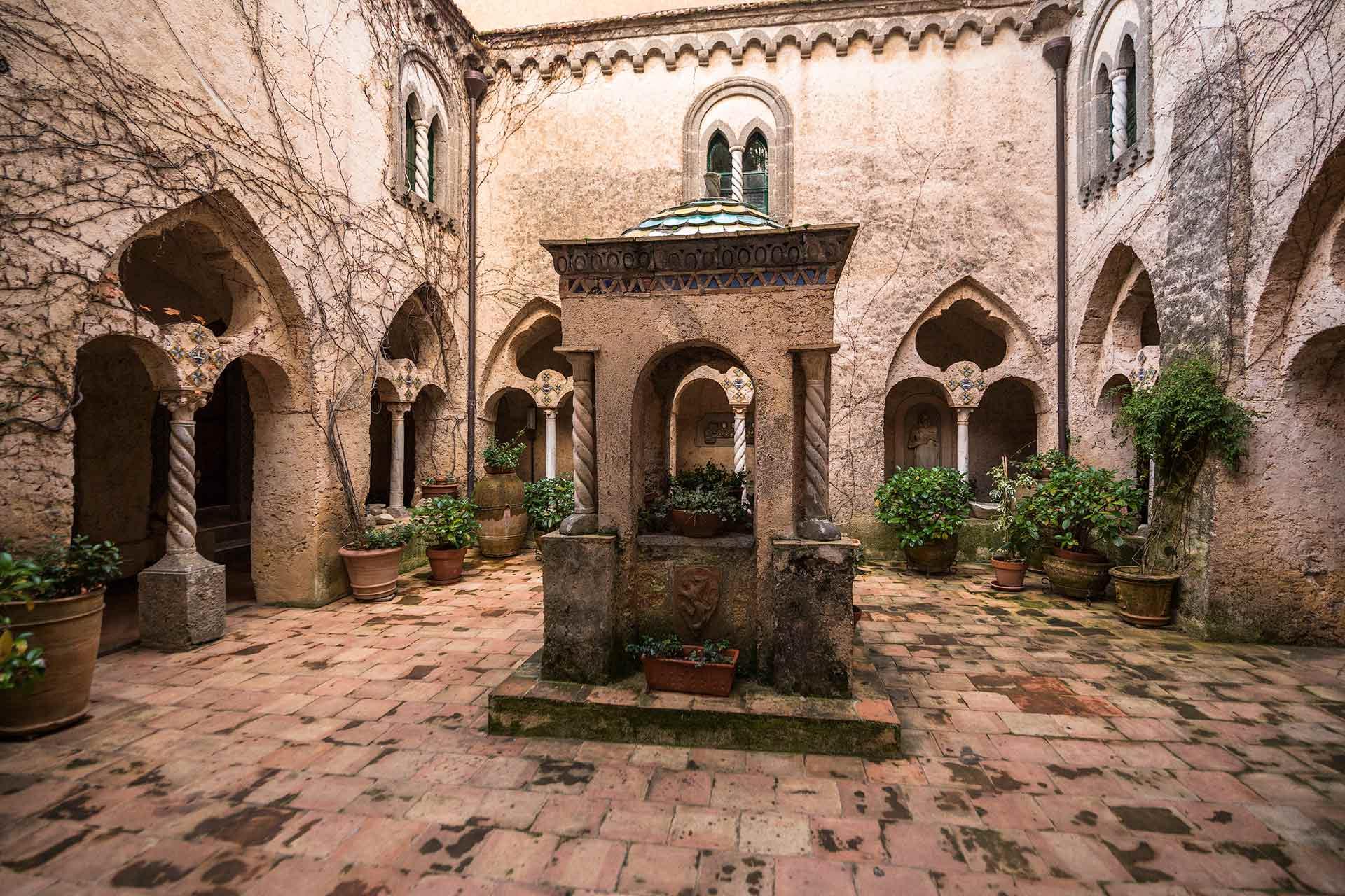 Il Chiostro di Villa Cimbrone