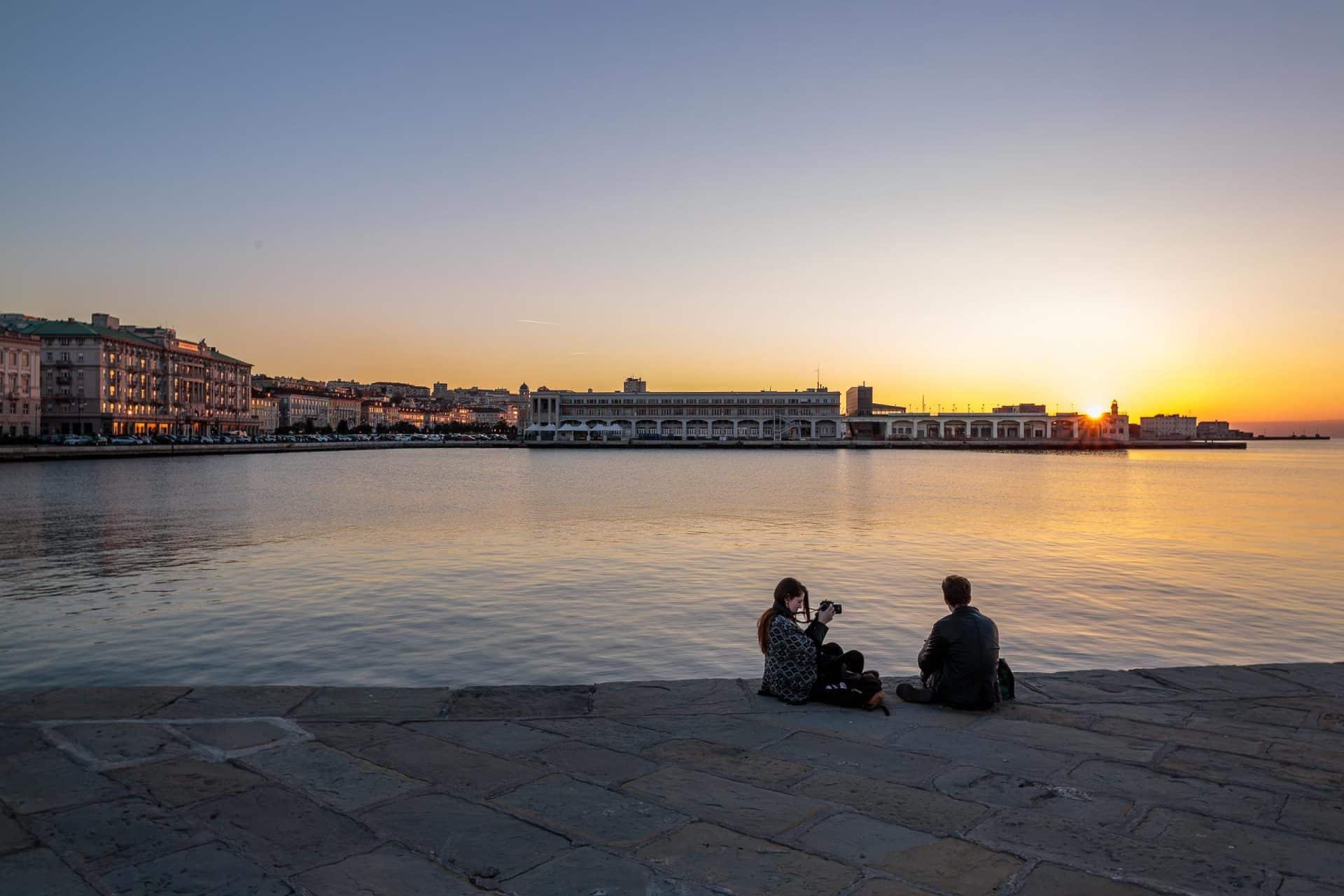 Relax al tramonto sul molo